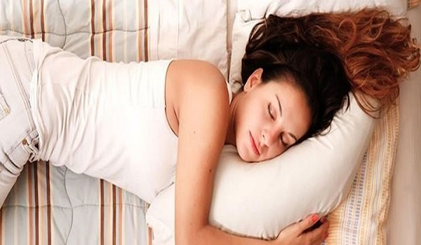 Οι 5 τρόποι να χάσετε βάρος στον ύπνο σας