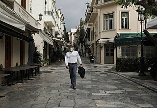 Βατόπουλος: Πρόβλημα στην επαρχία – Μπορεί κάποιες περιοχές να έχουν lockdown και κάποιες όχι