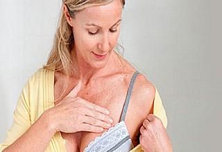 Καρκίνος Μαστού: Καλλυντικά και αντιηλιακά που αυξάνουν τον κίνδυνο