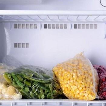 Πώς θα ξεπαγώσετε τα τρόφιμα χωρίς να βάλετε σε κίνδυνο την υγεία σας