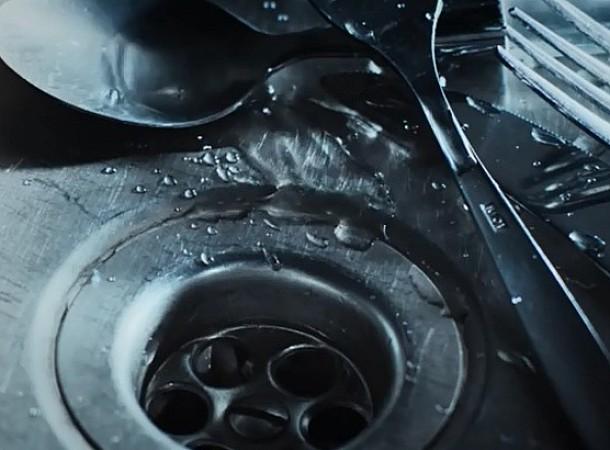 Οι 6 φυσικοί τρόποι να ξεβουλώσετε έναν νεροχύτη