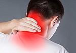 Πόνος στον αυχένα: Τι τον προκαλεί - Πώς να τον αντιμετωπίσετε