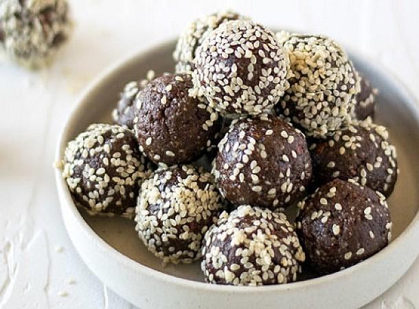 Ταχινάκια σοκολάτας χωρίς ζάχαρη, χωρίς βούτυρο, χωρίς ψήσιμο: