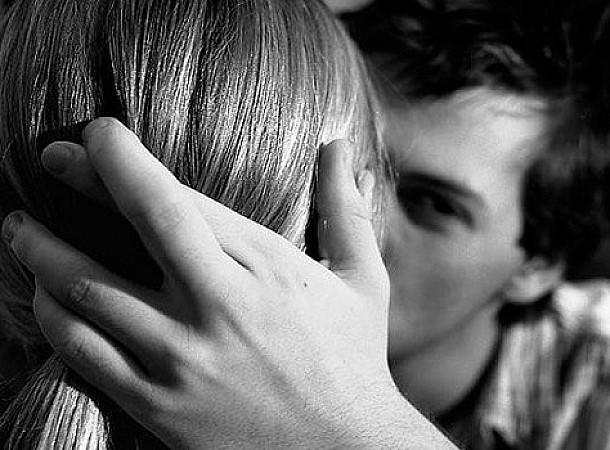 Τα έξι σημάδια που μαρτυρούν ότι δεν έχει ξεπεράσει την πρώην του