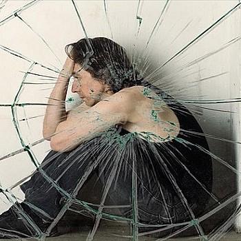 Τα 4 πράγματα στο περιβάλλον του σπιτιού που πυροδοτούν το άγχος