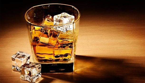 Κολπική μαρμαρυγή: Αυξημένος ο κίνδυνος για όσους πίνουν αλκοόλ