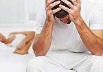 Άνδρες και σeξ: Πότε εμφανίζονται τα πρώτα... προβλήματα
