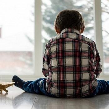 Αυτισμός: Τα πρώιμα συμπτώματα ανά ηλικία - Επιστημονικό ερωτηματολόγιο για τους γονείς