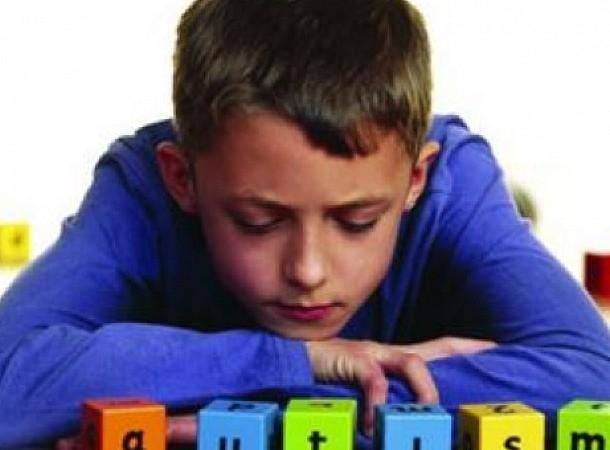 Παγκόσμια Ημέρα Αυτισμού: Τα πρώιμα συμπτώματα σε κάθε ηλικία