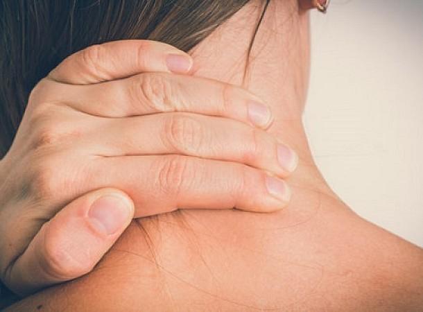 Πιάσιμο στον αυχένα: Πώς να απαλλαγείτε από τον πόνο