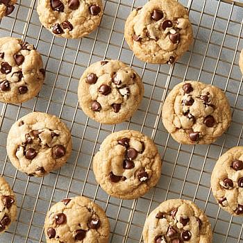 Εύκολα cookies με κομμάτια σοκολάτας