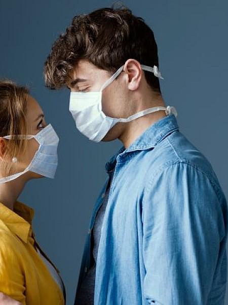 Έρωτας στην εποχή του κορoονοϊού – Πώς η πανδημία άλλαξε τους κανόνες του dating