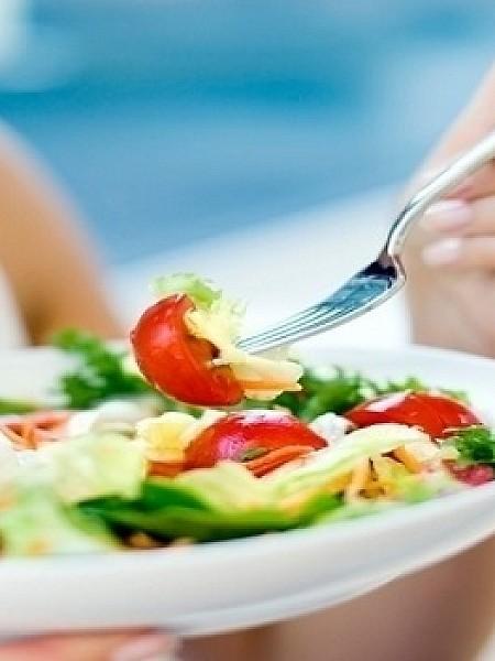 Χημική δίαιτα: Τι ισχύει με την περιβόητη διατροφή που υπόσχεται απώλεια βάρους