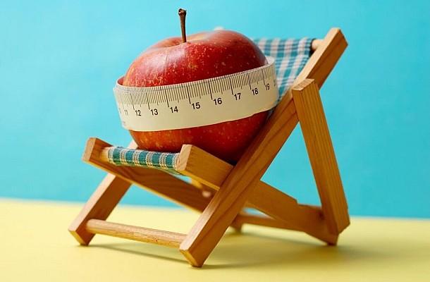 Πέντε έξυπνοι τρόποι για να μην πάρετε κιλά στις διακοπές