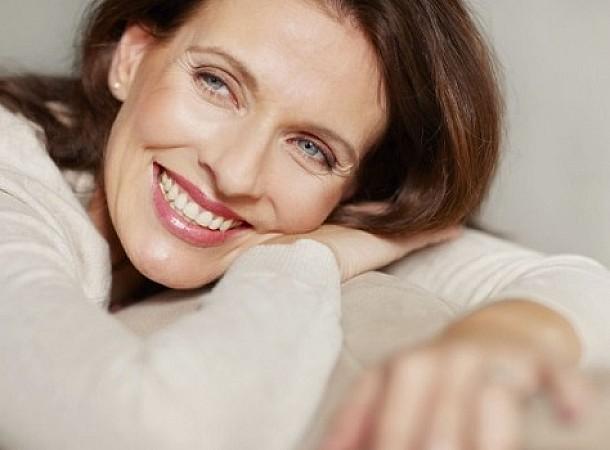 Αυτές είναι οι απαραίτητες τροφές που πρέπει να καταναλώνεις στην εμμηνόπαυση