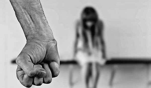 Οι διαφορετικές μορφές βίας μέσα στην οικογένεια και οι διαστάσεις που έχουν λάβει το τελευταίο διάστημα