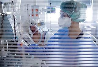 Κορονοϊός: Στους 177 οι νεκροί – Κατέληξε 87χρονος στο ΝΙΜΤΣ