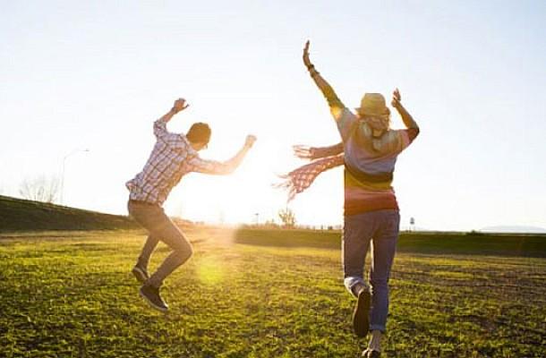 Οι 4 συνήθειες των πραγματικά ευτυχισμένων ανθρώπων