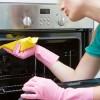 Αυτός είναι ο πιο εύκολος τρόπος για να καθαρίσετε τον φούρνο σας από τα καμένα λίπη