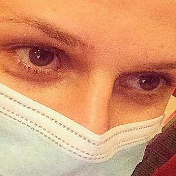 Γαλλία: Χρησιμοποιείστε χειρουργικές μάσκες και όχι υφασμάτινες