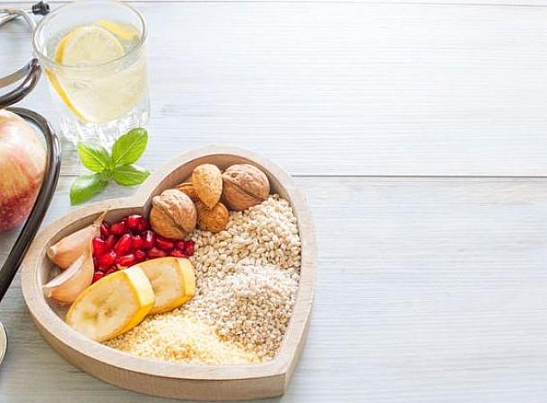 Η δίαιτα που προστατεύει την καρδιά και ρίχνει την πίεση