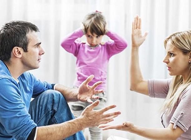 Μην καβγαδίζετε μπροστά στα παιδιά σας: Δείτε γιατί