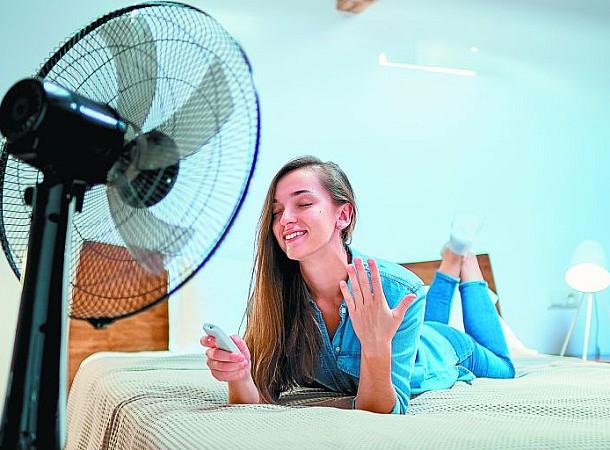 Πώς να κοιμηθείς άνετα όταν έχει καύσωνα και δεν έχεις air condition