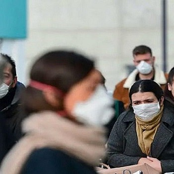 Κορονοϊός: Διαφέρουν τα συμπτώματα ανά φύλο και ηλικία