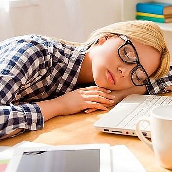 Tips που θα σου δώσουν ενέργεια αν ξυπνάς κουρασμένη