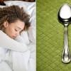 Τι να κάνετε με το… κουτάλι για να δείτε αν σας λείπει ύπνος