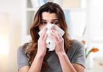 Γρίπη – Κορoνοϊός – Κρυολόγημα: Πώς θα τα γλιτώσετε όλα αυτό το χειμώνα