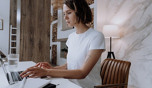 Η κορυφαία πλατφόρμα Alison.com δίνει 1.400 δωρεάν online μαθήματα. Τσέκαρε την λίστα