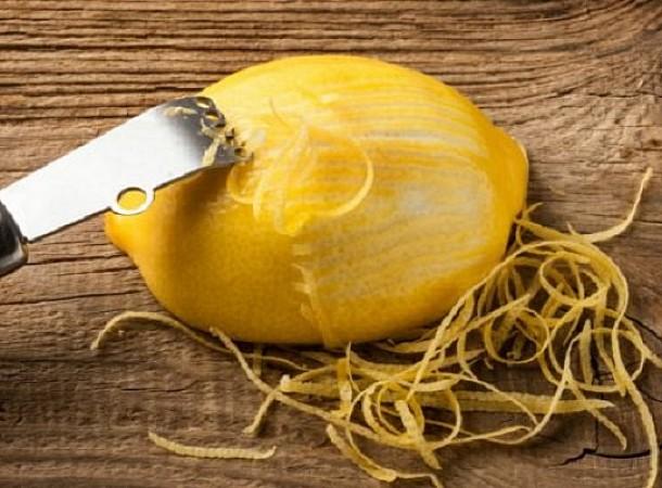 Δείτε 5 ενδιαφέροντα πράγματα που μπορείτε να κάνετε με την φλούδα από ενα λεμόνι