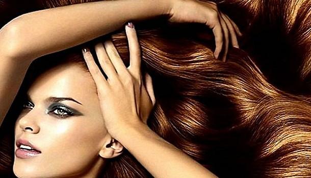 Τροφές πλούσιες σε βιοτίνη για δυνατά μαλλιά και νύχια