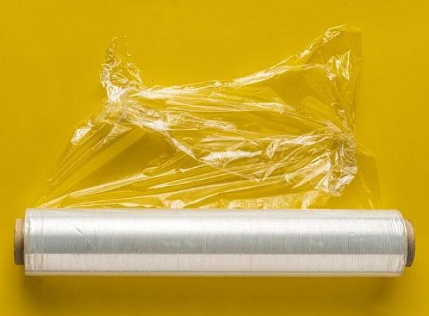 Να γιατί πρέπει να βάζετε την πλαστική μεμβράνη στην κατάψυξη!