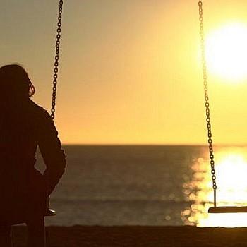 Σε ποια ηλικία νιώθουν οι άνθρωποι μεγαλύτερη μοναξιά