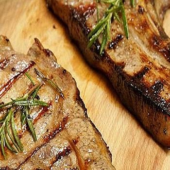Το μυστικό των σεφ πριν φάνε την μπριζόλα