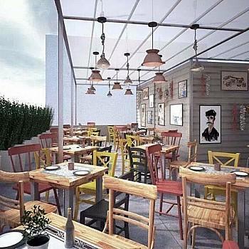 Νόστιμοι μεζέδες σε ταράτσες της Αθήνας. Καλό φαγητό κάτω από τον ανοιχτό ουρανό