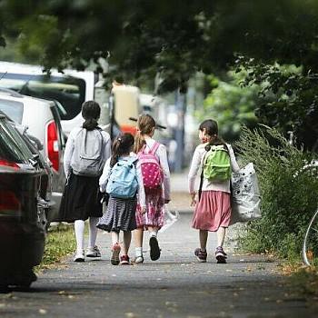 Τι δείχνει νέα έρευνα για τον κορονοϊό στα παιδιά: Πόσο κινδυνεύουν επιστρέφοντας στο σχολείο
