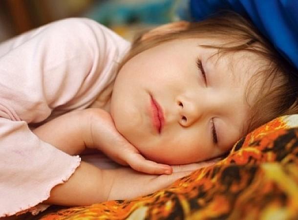 Μέχρι πότε πρέπει λέμε στο παιδί να πάει για ύπνο; Πολύ αργότερα από όσο νομίζετε