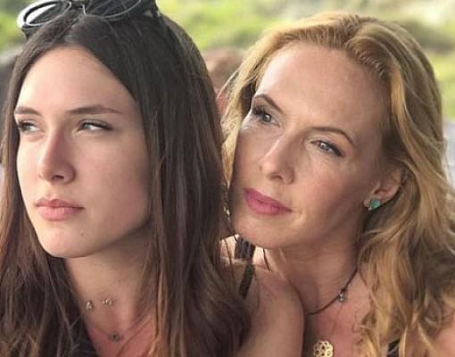 Εβελίνα Παπούλια: Μου φαίνεται καρμικό που η κόρη μου κάνει το ντεμπούτο της στο Mega