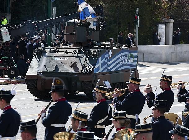Μεγαλειώδης στρατιωτική παρέλαση για τα 200 χρόνια της Επανάστασης