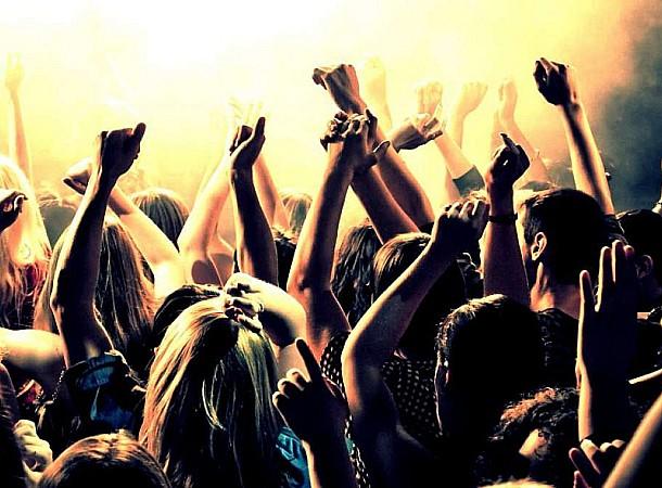 Νέα μελέτη: Πότε και πώς θα μπορούμε να ξαναπάμε σε συναυλίες σε κλειστό χώρο