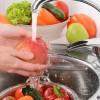 Ξέρετε ότι τόσο καιρό πλένετε με λάθος τρόπο τα λαχανικά σας;