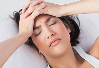 Γιατί δεν πρέπει να πέφτετε για ύπνο όταν έχετε πονοκέφαλο
