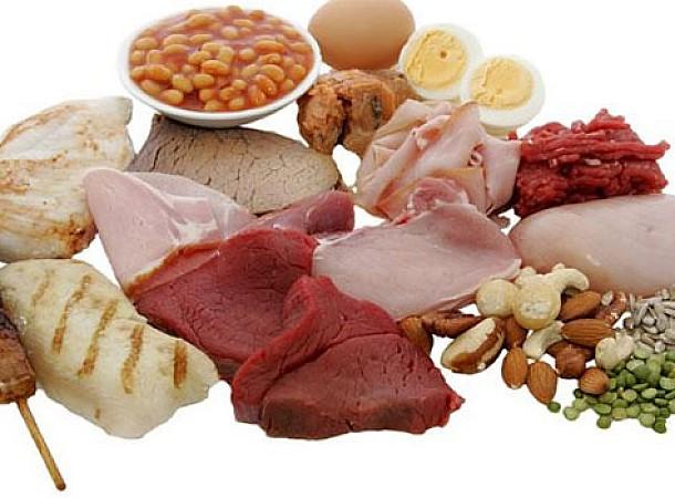 Τρεις επιστημονικοί λόγοι για να αυξήσετε την πρωτεΐνη στη διατροφή σας