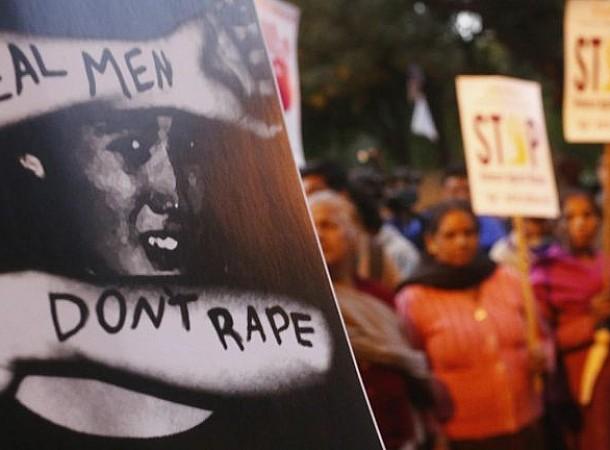 Συγνώμη που άργησα να μιλήσω για το βιασμό μου. Είναι που δεν σταμάτησα ποτέ να πονάω!
