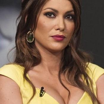 Κλέλια Ρένεση: Διάσημες Ελληνίδες εξυμνούν την ανάρτηση – καταπέλτη της ηθοποιού