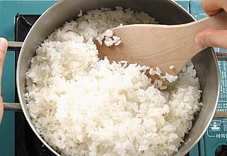 Πώς και πότε να βάζετε το ρύζι στο ψυγείο - Συμπτώματα δηλητηρίασης