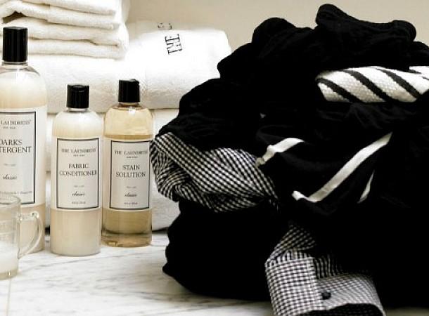 Έτσι θα εξαφανίσετε τυχόν σημάδια από τα μαύρα ρούχα σας